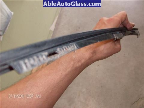 Acura RL 2005-2008 Windshield Replaced - A-pillar molding removed
