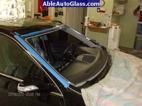 Acura RL 2005-2008 Windshield Replaced - auto glass removed