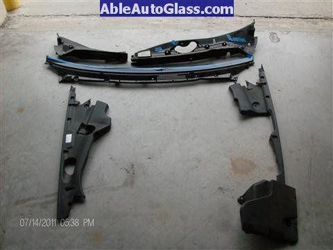 Acura RL 2005-2008 Windshield Replaced - cowl and engine decorative covers