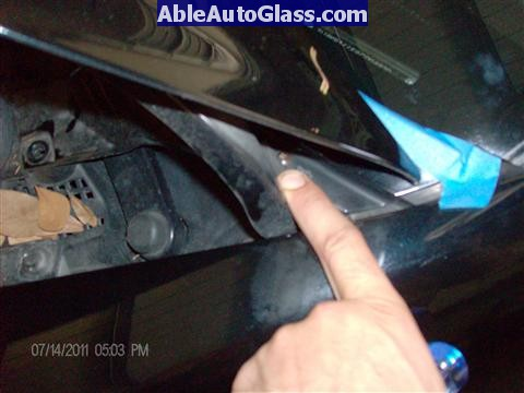Acura RL 2005-2008 Windshield Replaced - hidden screw