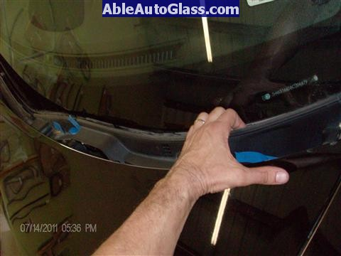 Acura RL 2005-2008 Windshield Replaced - removing cowl