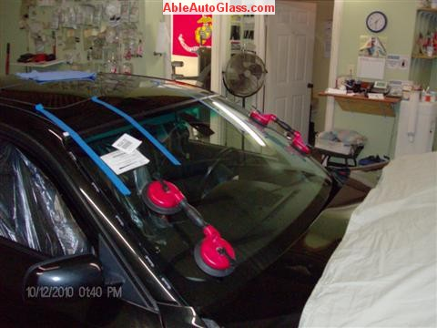BMW 5451 2005 Windshield Replace Houston, TX-We use 2 Person Set with Suction Cups