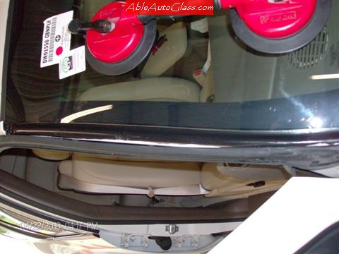 Buick Rainier 2005-2007 Windshield Replacement Nice and Clean