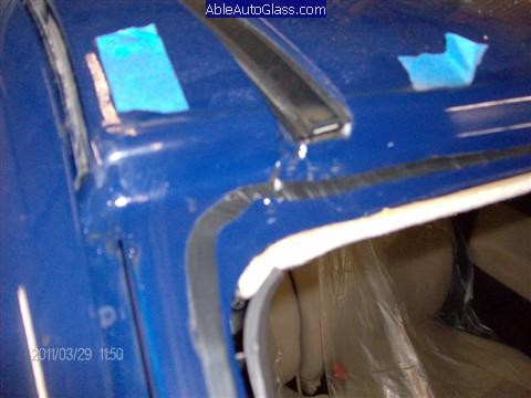 Chevy Colorado 2004-2011 Windshield Replacement - Old Seal Removed down to 2-5mm Thin