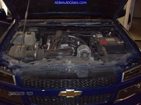 Chevy Colorado 2004-2011 Windshield Replacement - Under Hood with Cowl and Wipers Removed