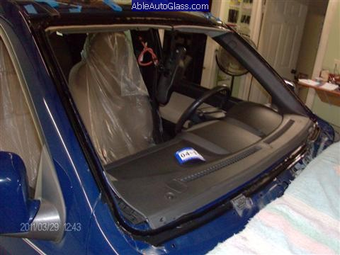 Chevy Colorado 2004-2011 Windshield Replacement - Urethane Applied to Body of Vehicle