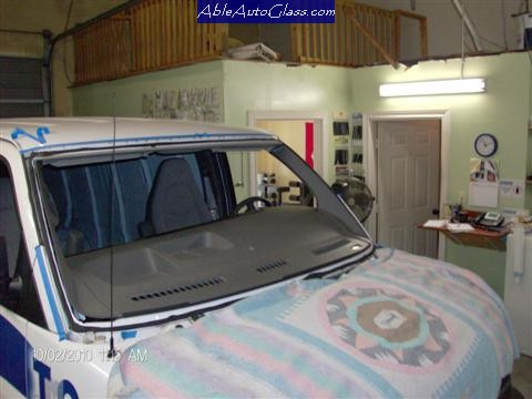 Chevy Express Van 2005-2011 Windshield Replacement-Windshield Removed