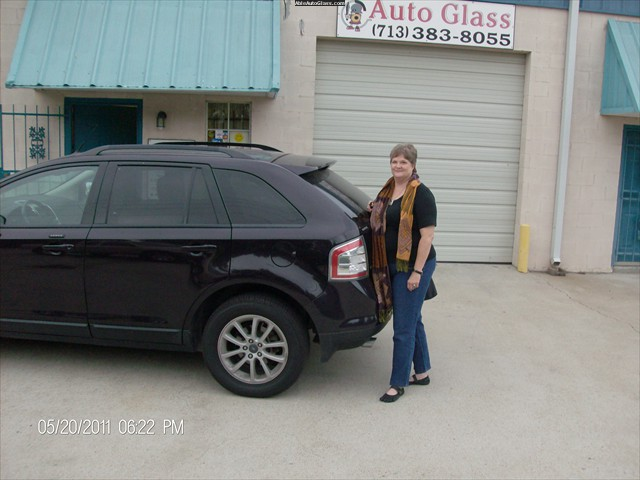 Ford Edge 2007 Rear Right Door Glass Replace -  Beth Ray