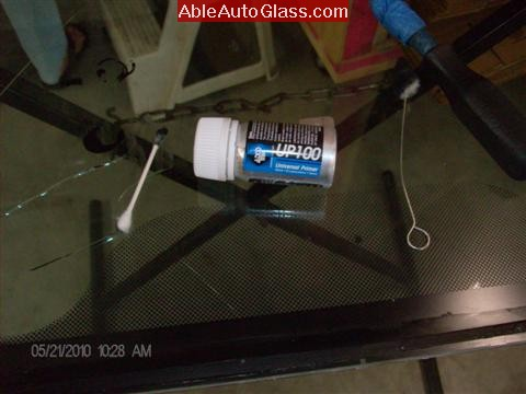 Ford Escape 2010 Fred Loya Windshield Replacement Adco UP100 Black Pinchweld Primer