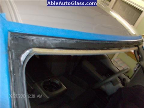 Ford F150 2005-2008 Standard Cab Windshield Repalcement - Close-up View of Old Seal