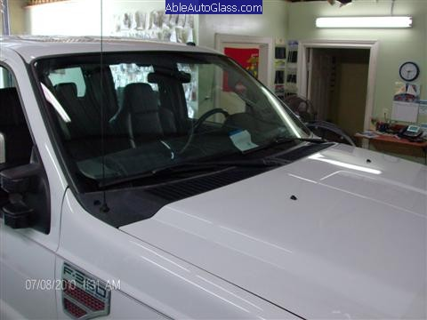 Ford Super Duty Truck 2008-2011 Front Windshield Replacement - Glass has a 3rd Visor and Says Super Duty