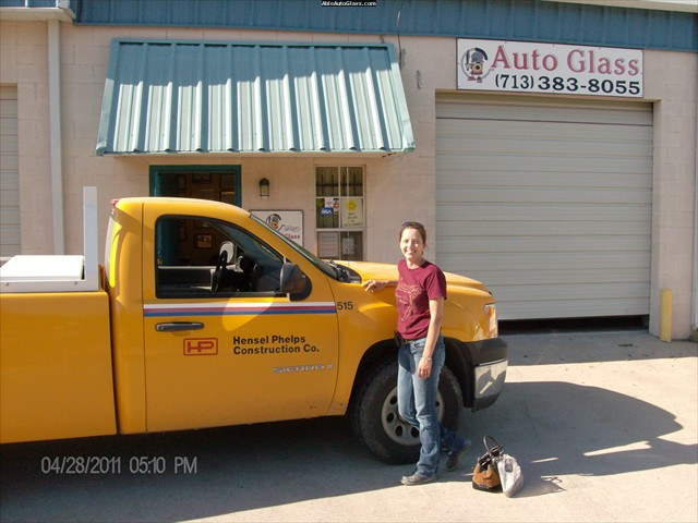 GMC Sienna 2007 Windshield Replace - Hensel Phelps Construction Corp - M. Marwitz