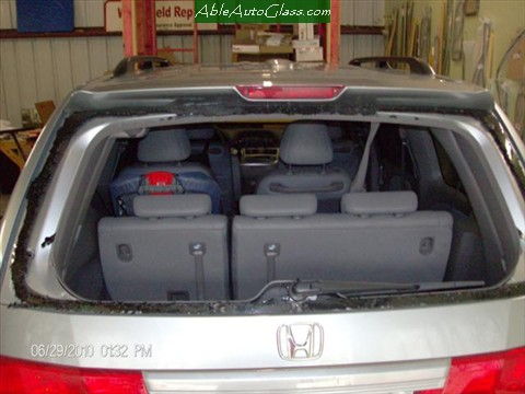 Honda-Odyssey-Back- Glass- Replacement Broken Back Glass