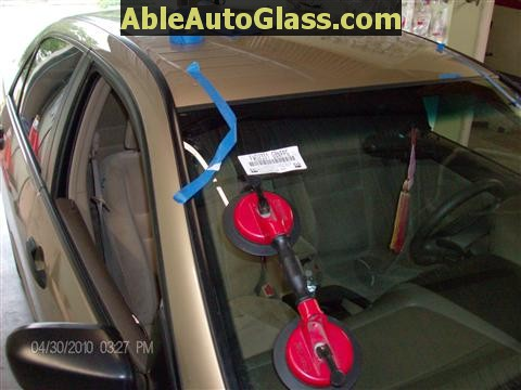 Honda Accord 2003-2007 Windshield Replace - Close-up