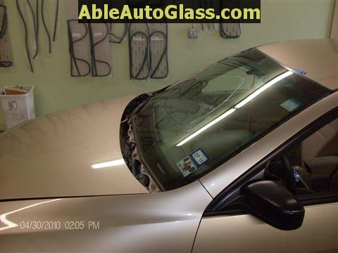 Honda Accord 2003-2007 Windshield Replace - Drip Rail Molding Removed