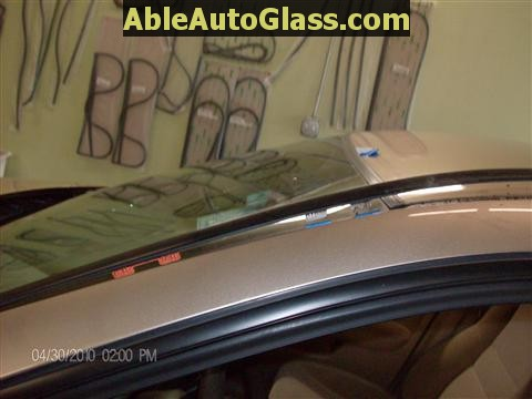 Honda Accord 2003-2007 Windshield Replace - Removing Side Molding
