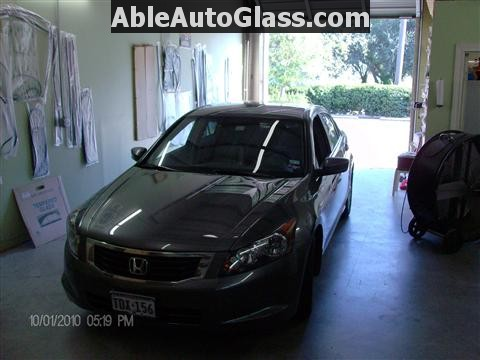 Honda Accord 2010 Front Windshield Replacement - Broken Glass
