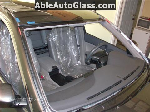 Honda Accord 2010 Front Windshield Replacement - Full View of Primmed Pinchweld