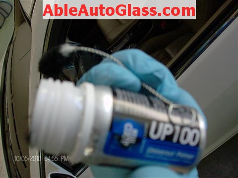 Honda Accord Coupe 2002 Windshield Replacement - Adco UP100 Pinchweld Primer