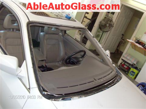 Honda Accord Coupe 2002 Windshield Replacement - Auto Glass Removed