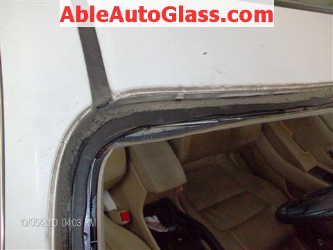 Honda Accord Coupe 2002 Windshield Replacement - Dirt on Pinchweld