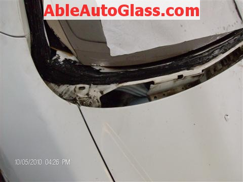Honda Accord Coupe 2002 Windshield Replacement - Pinchweld Clean