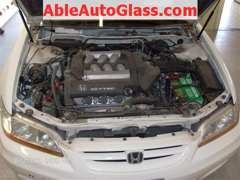 Honda Accord Coupe 2002 Windshield Replacement - Remove Cowl and Windshield Wipers