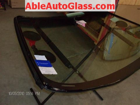 Honda Accord Coupe 2002 Windshield Replacement - Urethane Applied to Windshield