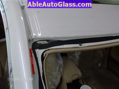 Honda Accord Sedan 2008-2011 Windshield Replace - All Trimmed