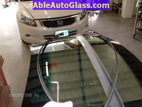 Honda Accord Sedan 2008-2011 Windshield Replace - View of Drip Rail Molding Removed