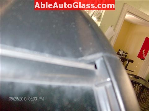 Honda Element 2010 Windshield Replace - Gap at Top Left