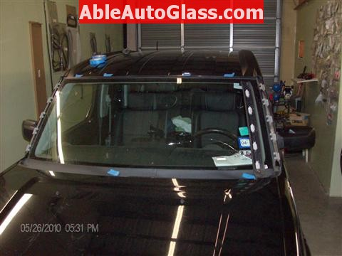 Honda Element 2010 Windshield Replace - Side A-pillar Molding Removed
