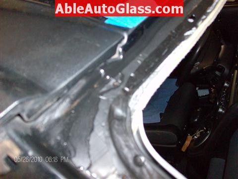 Honda Element 2010 Windshield Replace - Slight Rust Top Right Corner
