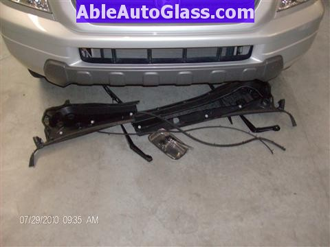 Honda Pilot 2003-2008 Windshield Replace - Cowl and Wipers Removed