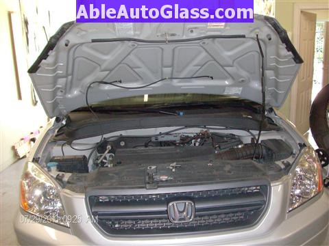 Honda Pilot 2003-2008 Windshield Replace - View Under the Hood