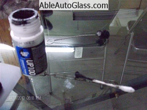 Honda Ridgeline Windshield Replace - Adco UP100 Primer
