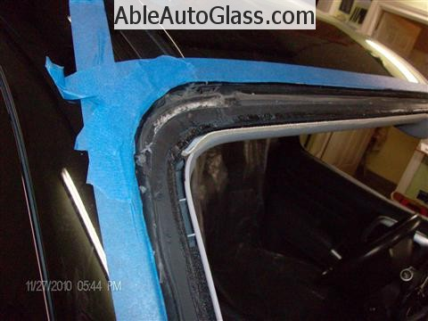 Honda Ridgeline Windshield Replace - Dirty Pinchweld