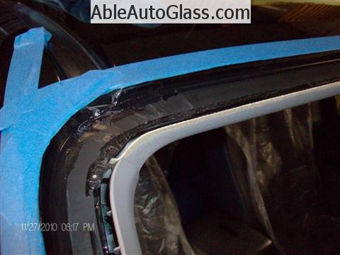 Honda Ridgeline Windshield Replace - Pinchweld Primed