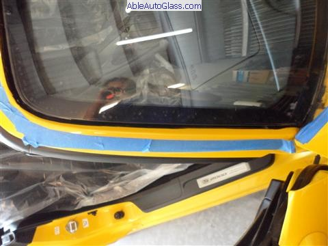 Honda s2000 front windshield replaced ableautoglass for Windshield motor replacement cost
