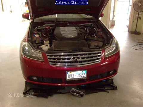 Infiniti M35 2007 Windshield Replacement - Wipers, Cowl, Engine Covers Removed