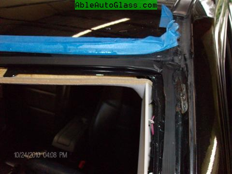 Jeep Patriot 2007-2011 Windshield - Replacement - Close-up View (Custom)