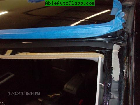 Jeep Patriot 2007-2011 Windshield - Replacement - Normal on Jeeps for Urethane to Peel off in some places