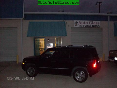 Jeep Patriot 2007-2011 Windshield - Replacement - Ready For Delivery - Night View