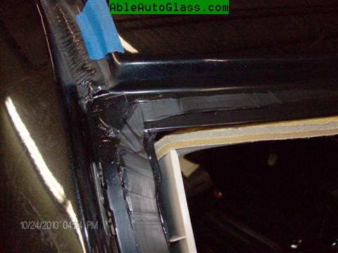 Jeep Patriot 2007-2011 Windshield - Replacement - View After Priming to Prevent Rust