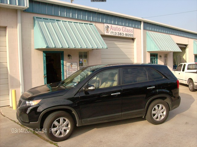 Kia Sorento 2011 Front Right Glass Replace - Jacqueline Goodwater