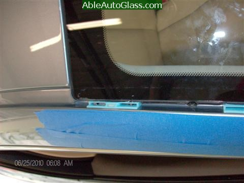Lexus IS250 2010 Windshield Replacement - blue clips upper right