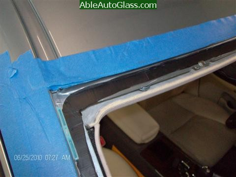 Lexus IS250 2010 Windshield Replacement - trimmed seal 1-2 mm thin