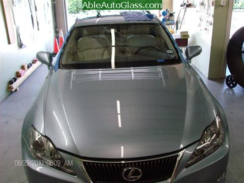 Lexus IS250 2010 Windshield Replacement - view prior to removal