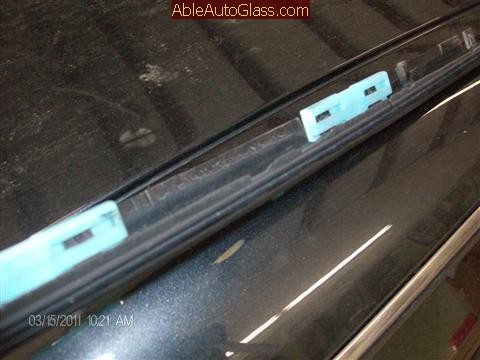 Lexus IS 250 2008 Windshield Replace - blue retainer clips