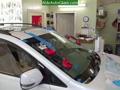 Subaru Tribeca 2008-2011 Windshield Replacement - Auto Glass Installed with 2 People